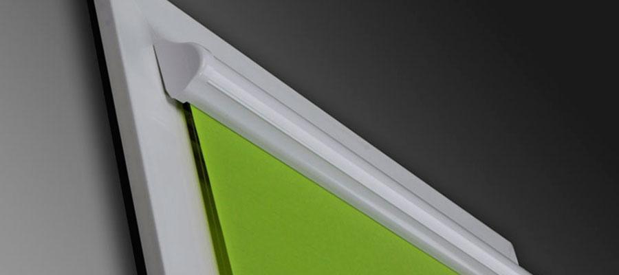 72d9a0ef35436 Vegas Mix. Roleta Mix skvěle ladí s oknem a působí nenápadně díkysvým malým  rozměrům. Použití systému silonových vodítek a brzdění a také pružinového  ...